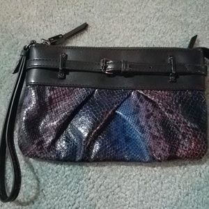 Simply Vera Wristlet purse